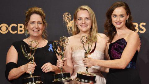 El cuento de la criada triunfa en los Emmys 2017