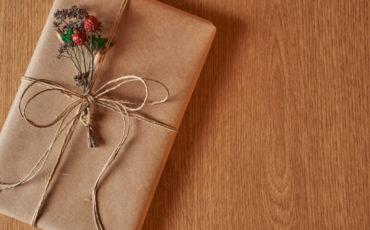 La satisfacción de leer y regalar libros de papel (y que lleguen perfectos en su caja)