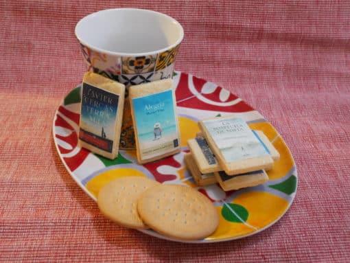 Nuestros amigos de Planeta nos endulzan las fiestas con sus libro-galletas