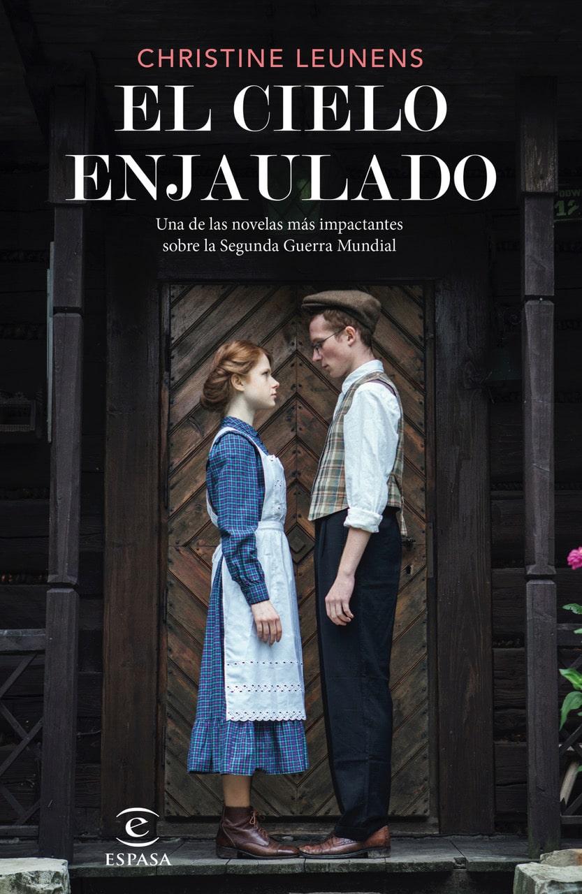 La película 'Jojo Rabbit', inspirada en la novela 'El cielo enjaulado', de Christine Leunens, llega  a la gran pantalla este viernes