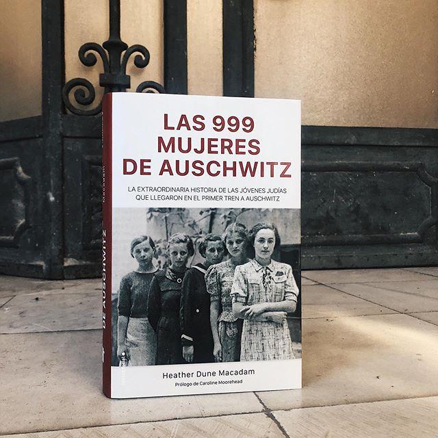 Las 999 mujeres de Auschwitz: Una increíble historia de amistad, sororidad y supervivencia.