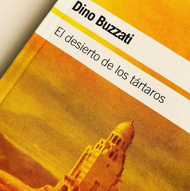 """""""El desierto de los tártaros"""", la más célebre novela de Dino Buzzati"""