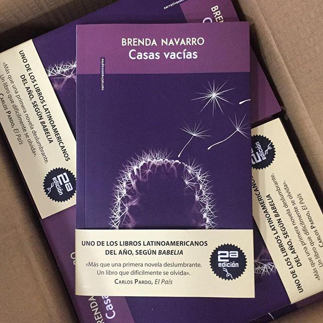 2ª edición de la deslumbrante Casas vacías de Brenda Navarro