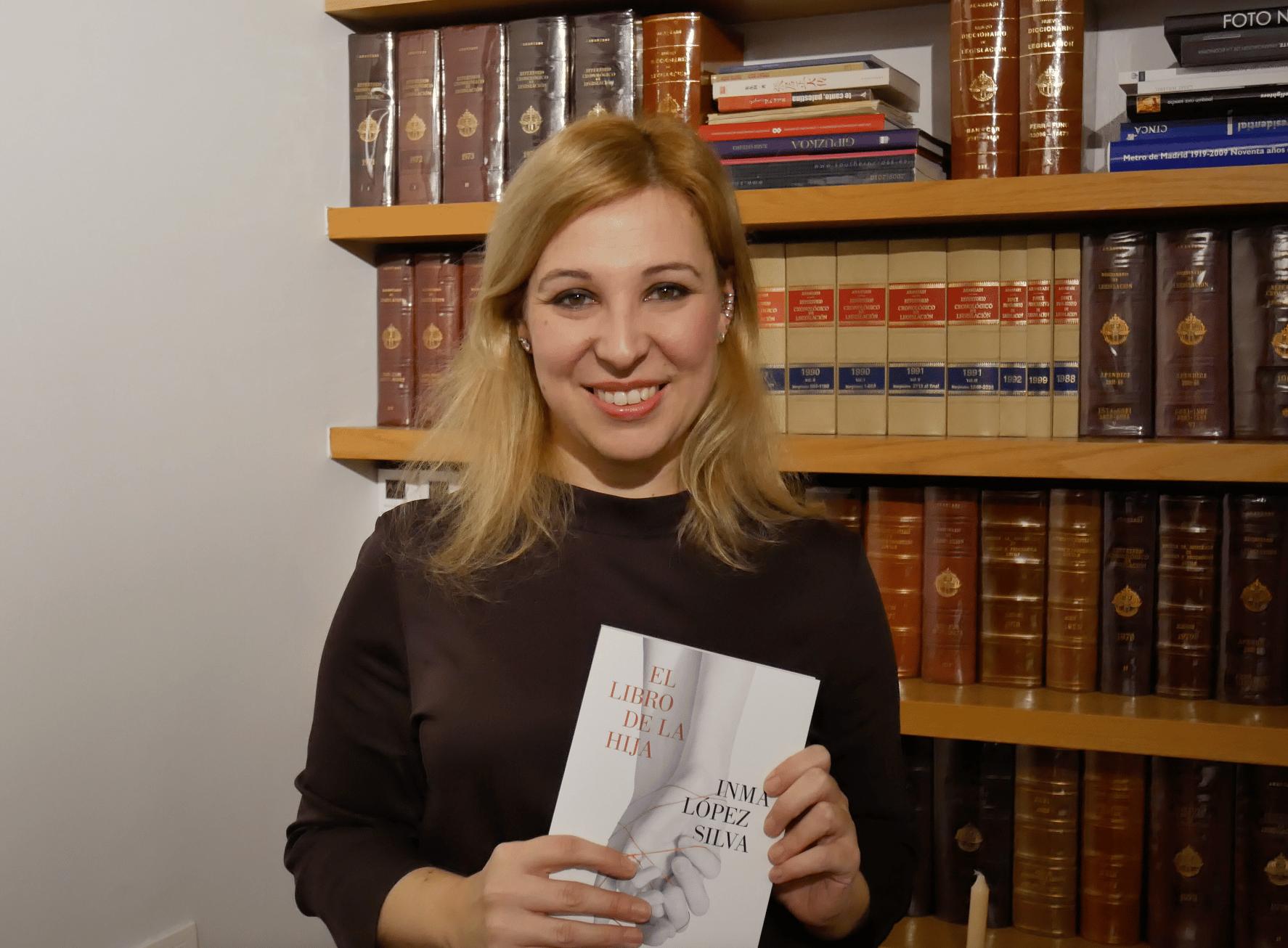 Reseña de El libro de la hija de Inma López Silva @siguelumen