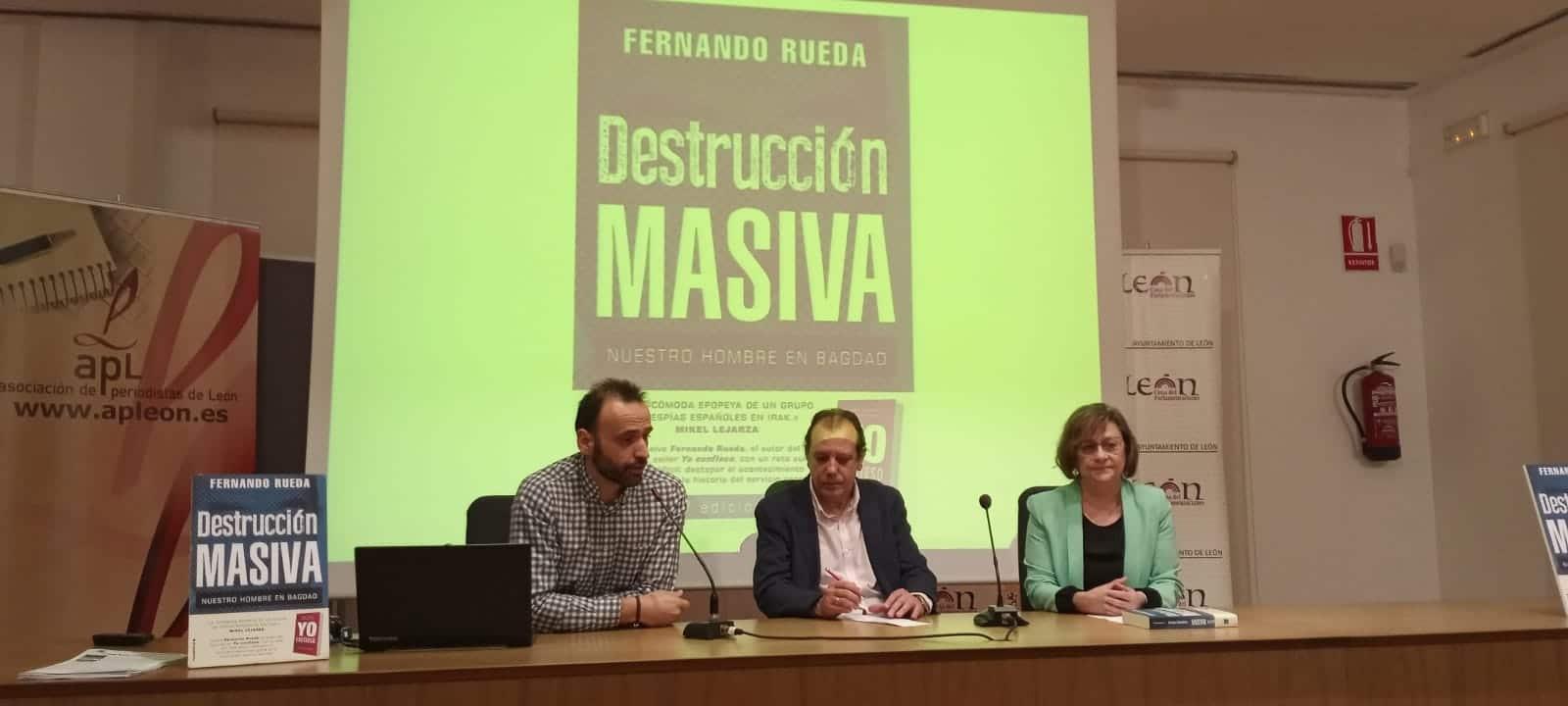 @fernando_rueda sigue con las presentaciones de Destrucción masiva, ayer en León