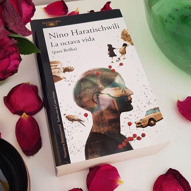 El mundo entero está leyendo «La octava vida (para Brilka)» de Nino Haratischwili.