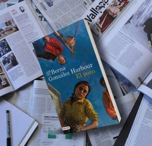 La escritora y periodista @bernagonzalezharbour Premio Dashiell Hammett 2020 presenta la novela 'El Pozo'